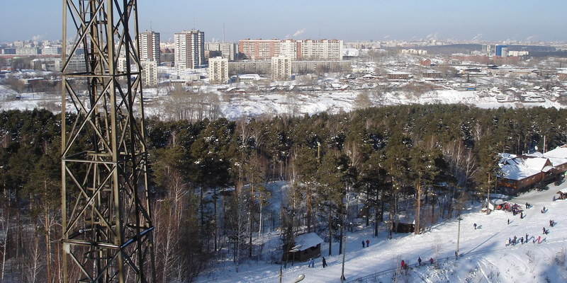 Екатеринбург. Вид на город с горы в Уктусском лесопарке