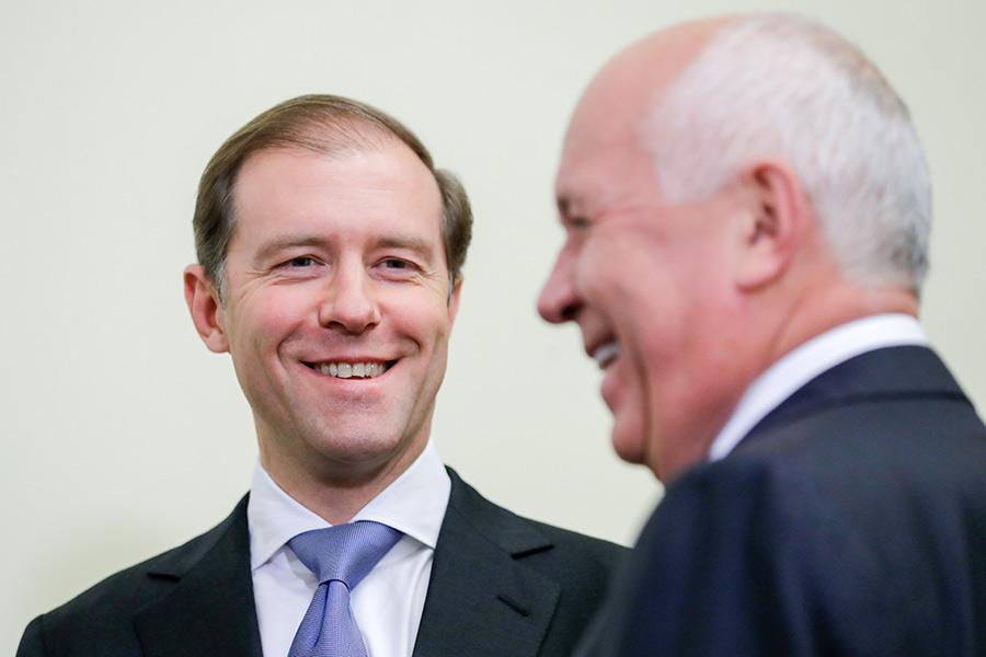 Министр промышленности Денис Мантуров и глава «Ростеха» Сергей Чемезов (слева направо)