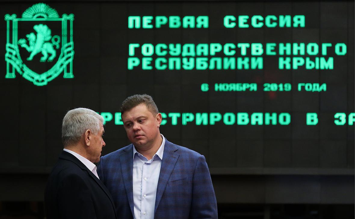 Евгений Кабанов (справа)