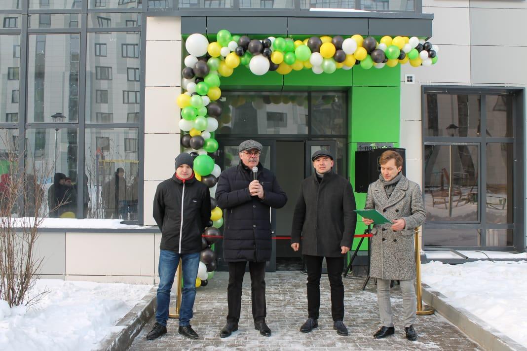 в середине - Владимир Никифоров (ГЖФ) и Руслан Шагалеев (Иннополис)