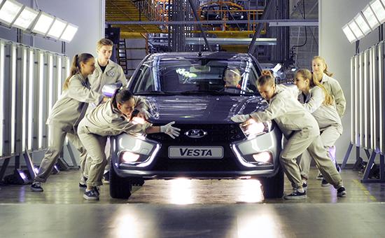 Церемония запуска автомобиля Lada Vesta всерийное производство наИжевском автозаводе ОАО«АвтоВАЗ»