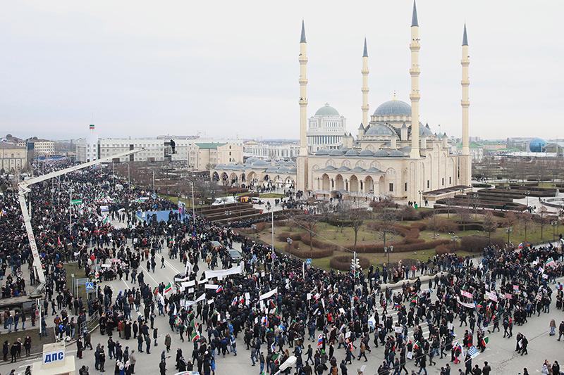 По оценкам МВД, митинг в Грозном собрал около 1 млн участников