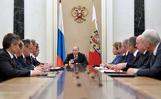 Президент РФ Владимир Путин проводит совещание Совета безопасности РФ. Архивное фото