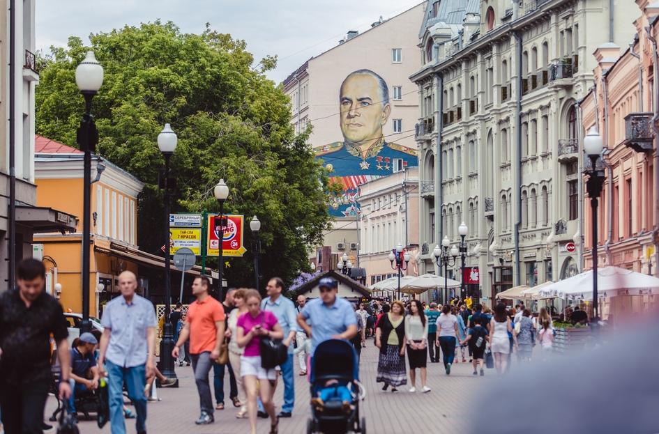 На четвертом месте — Арбат. Аренда самого дешевого помещения на этой улице обойдется в 70 тыс. руб. за 1 кв. м в год, наиболее дорогого — в 130 тыс. руб.