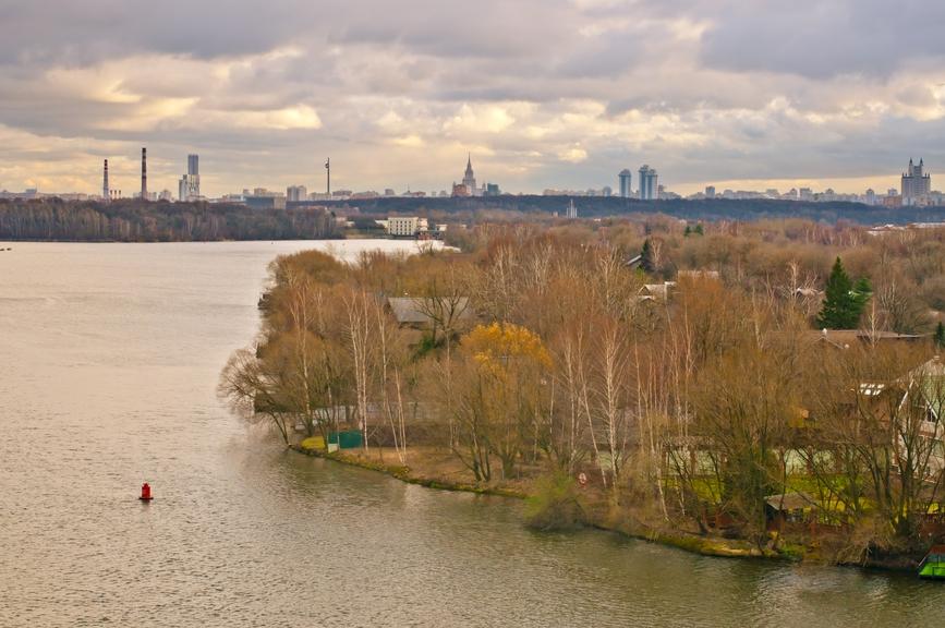 Значительные территории вдоль Москвы-реки остаются резервом для строительства