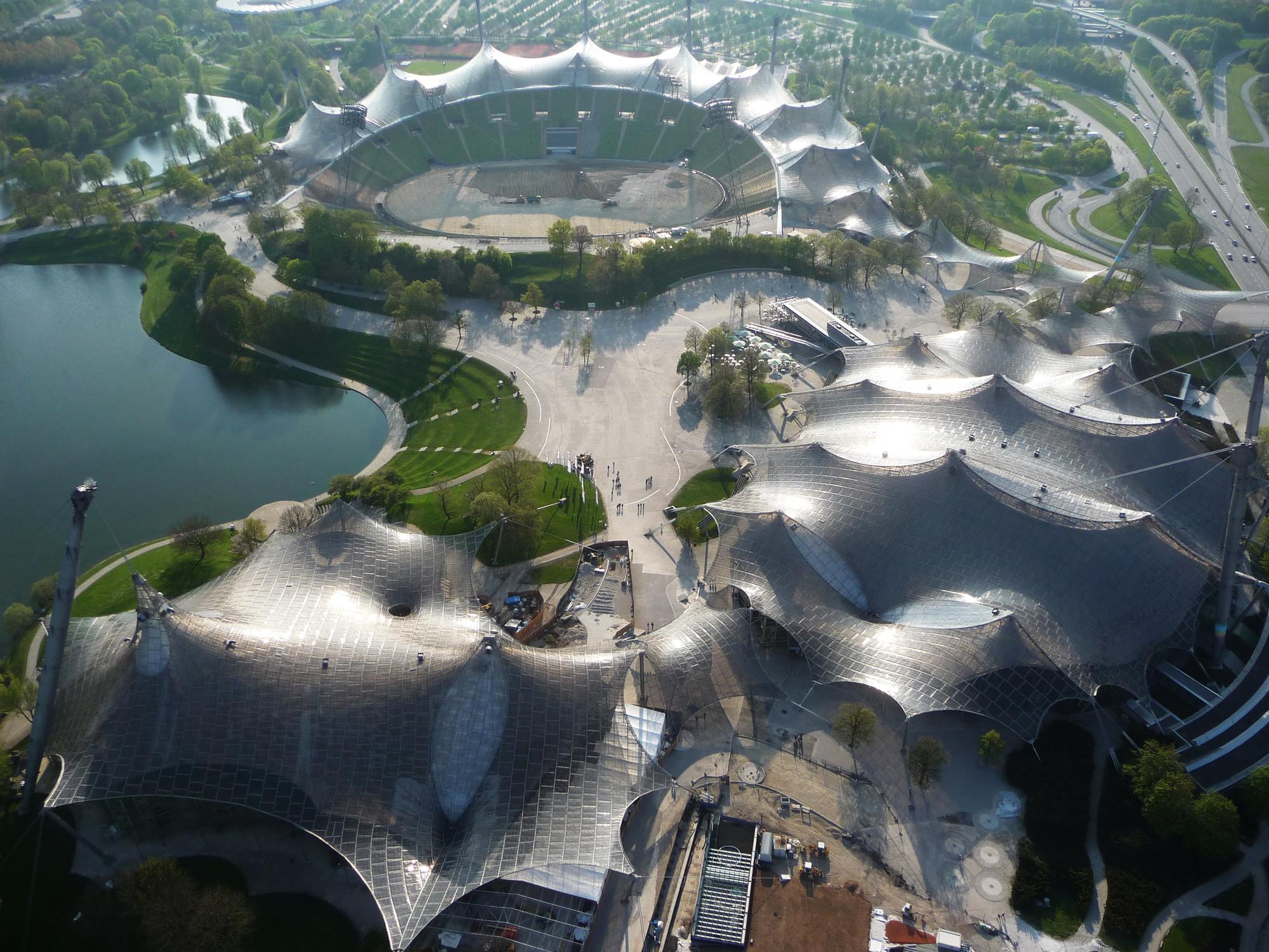 Фрай Пауль Отто занимался проектированием спортивных объектов для Олимпийских игр 1972 года в Мюнхене. Результатом стала натяжная крыша над плавательным бассейном, спортивным залом и главным стадионом. В 2015 году за это сооружение Отто посмертно стал 40-м лауреатом Притцкеровской премии