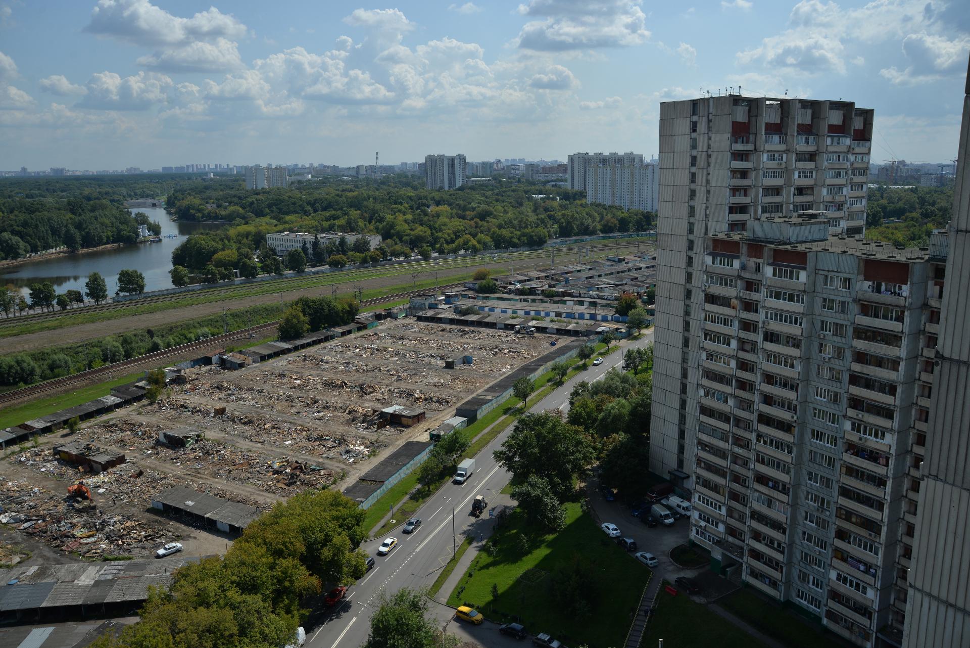 Снос гаражей в районе Печатники на месте будущего строительства участка Юго-Восточной хорды