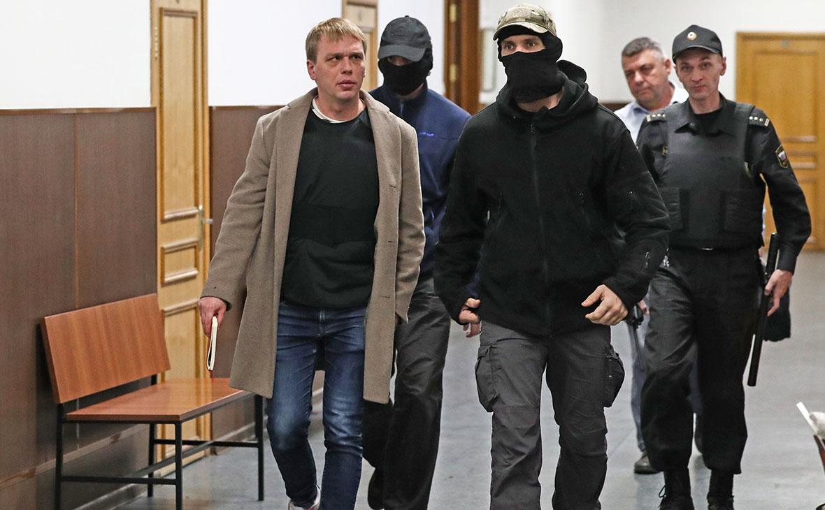 Журналист интернет-издания «Медуза»Иван Голуновв здании Басманного суда