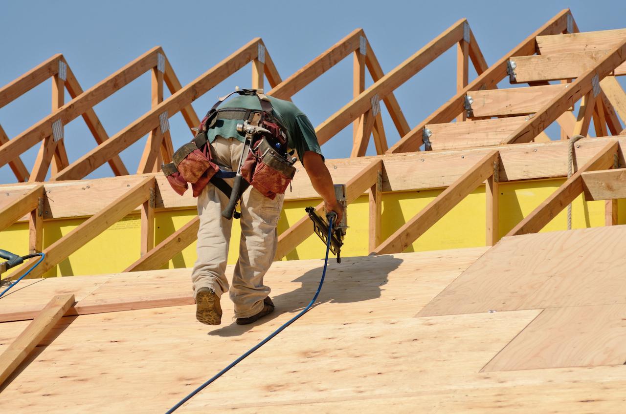 Строительство деревянных домов в этом году подорожало в среднем на 50%, притом что до этого цены увеличивались на 5–7% в год