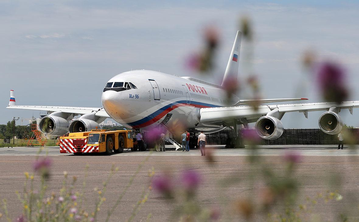 Самолет Ил-96 летного отряда «Россия». Июль 2016 года