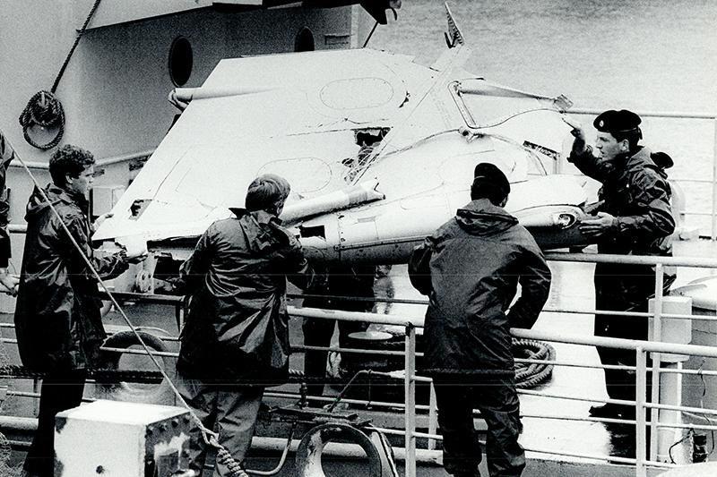 Дата:  23июня 1985 года  Подробности:  Boeing 747-237B авиакомпании Air-India, совершавший рейс AI182 помаршруту Монреаль— Лондон— Дели— Бомбей, был взорван внебе над Атлантическим океаном, в70 кмюго-западней г. Корк (Ирландия). Происшествие стало крупнейшей авиакатастрофой внейтральных водах, первым терактом насамолетах Boeing 747 икрупнейшим терактом вистории Канады.  Погибшие: 329