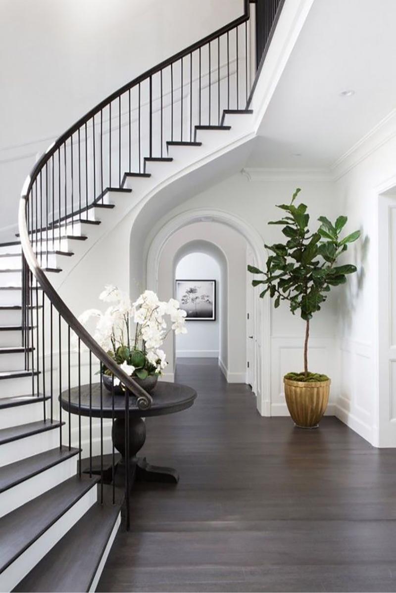 Арочный проем у лестницы