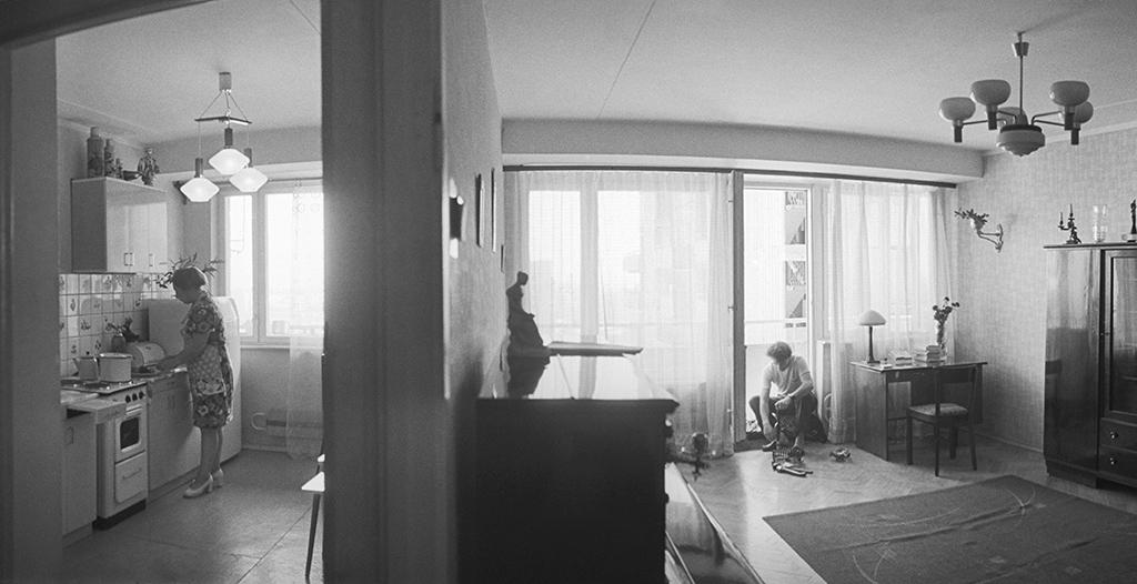 Кухня в 1960-х  Площадь кухонь в хрущевках, построенных в 1960-е годы, составляла всего 5–7 кв. м  На фото: район массовой застройки Химки-Ховрино. Москвичи обживают новые квартиры
