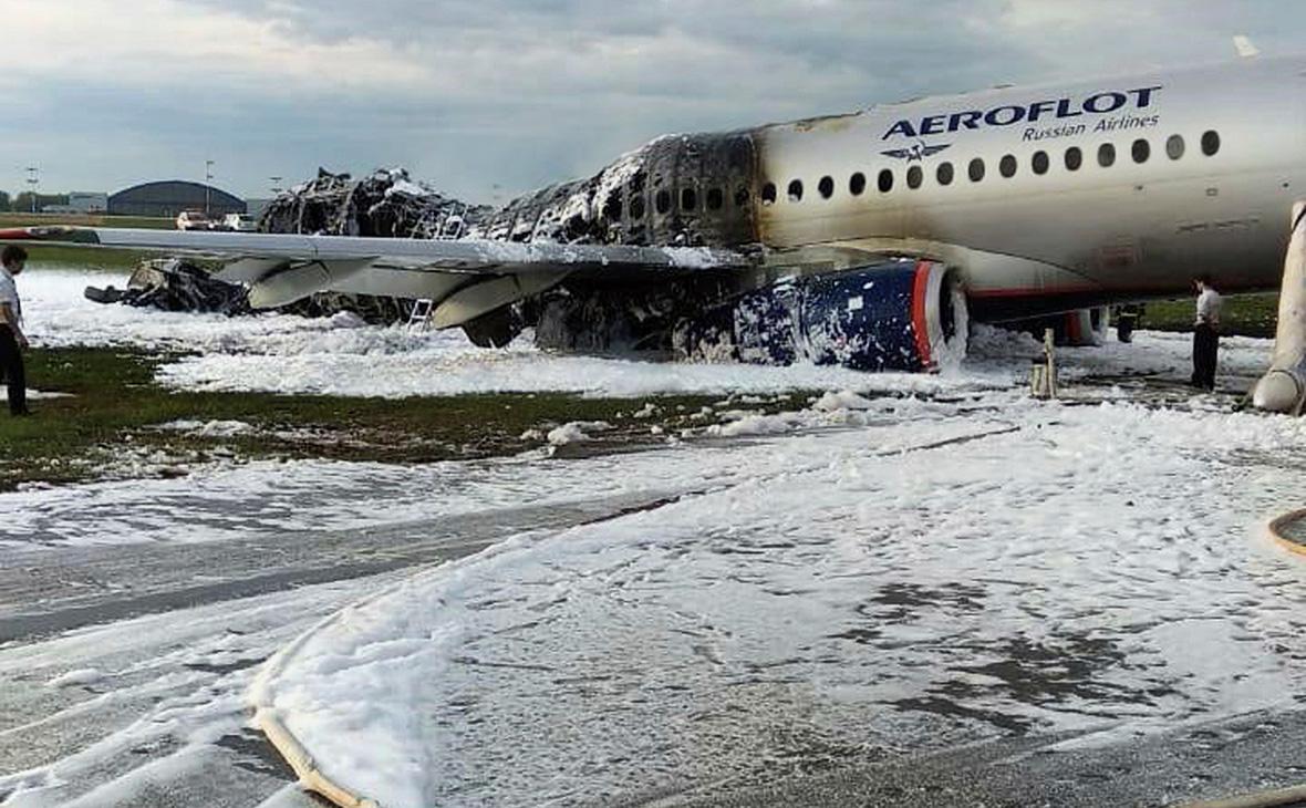 Ликвидация возгорания самолёта Sukhoi Superjet 100 в аэропорту Шереметьево, 5 мая 2019 г.