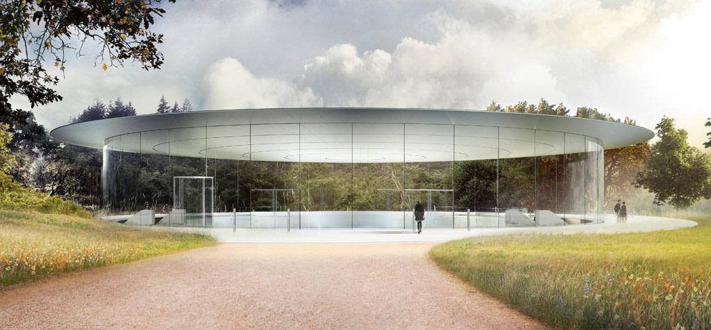 Атриум представляет собой стеклянный цилиндр 6м в высоту и чуть больше 50м в диаметре. Презентационный павильон расположен на холме, на одном из самых высоких мест всего Apple park. Рядом предусмотрена парковка на 350 машин