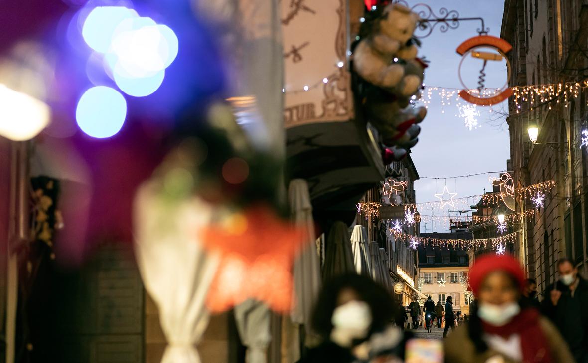 Глава Минздрава Франции назвал лучший способ встретить Новый год