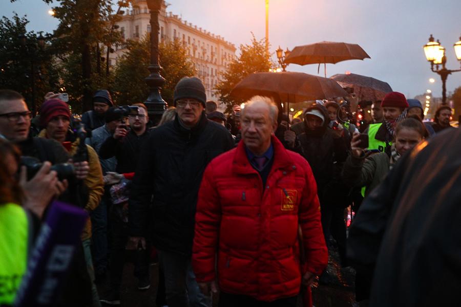 Валерий Рашкин во время несогласованной акции