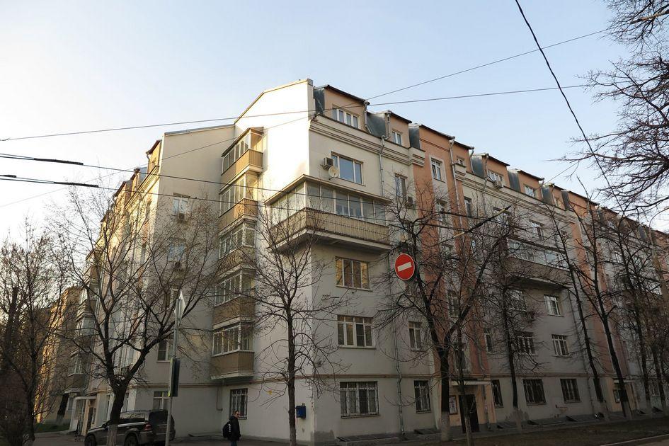Дом с надстроенным этажом на 2-й Кабельной улице