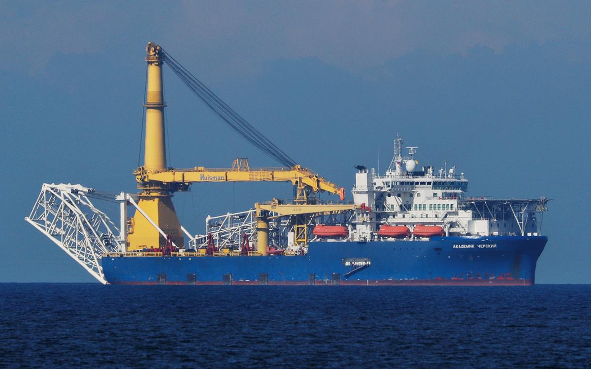 Краново-монтажное трубоукладочное судно«Академик Черский»