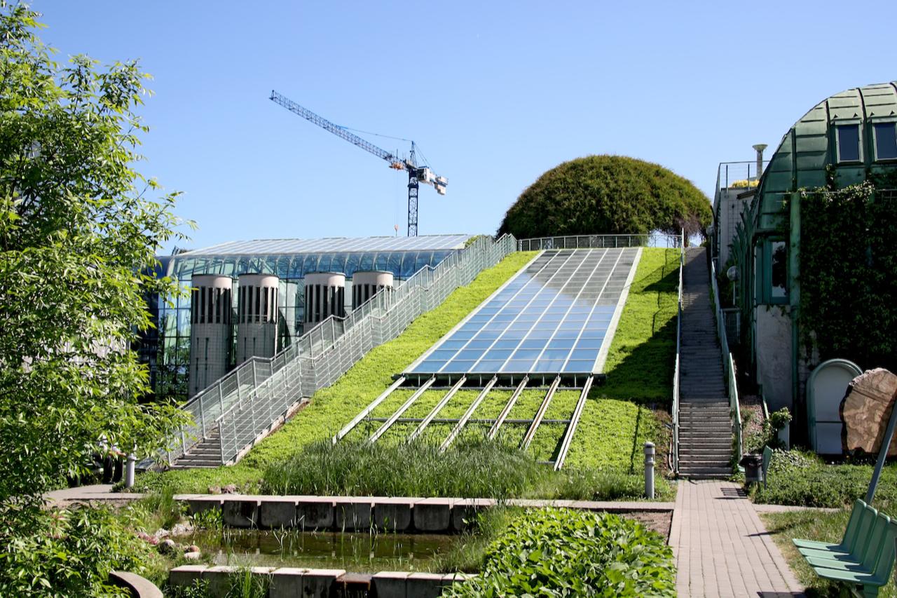 Все больше девелоперов придерживаются принципов защиты окружающей среды, социальной ответственности и корпоративного управления (ESG) и инвестируют в недвижимость, которая отвечает требованиям экологичности.