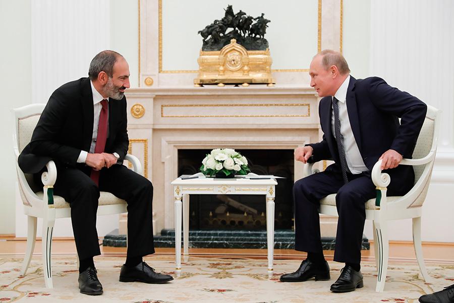Никол Пашинян и Владимир Путин. Июнь 2018 года