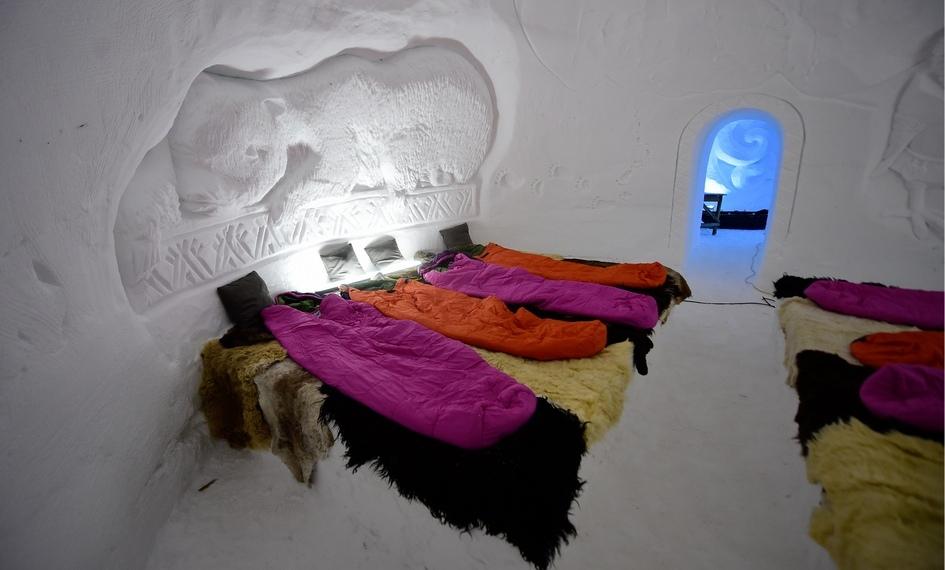Внутренний диаметр хижин составляет от3 до6 метров. Гостиница гарантирует приемлемые условия внутридомиков притемпературе до-30 градусов снаружи
