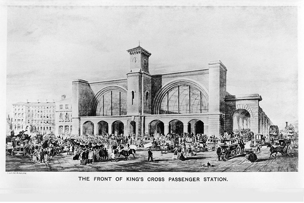 Первым в ТПУ в мире считается вокзал Кингс-Кросс в Лондоне (1952г.)