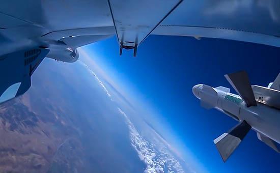 Самолет ВКС РФ во время боевого вылета в Сирии