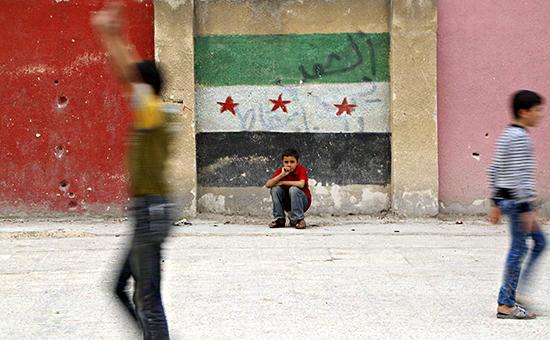 Граффити в виде флага оппозиции. Алеппо, Сирия