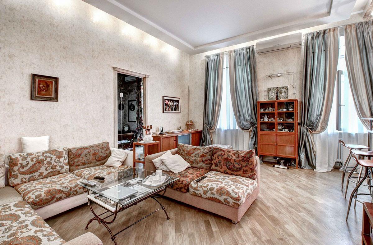 Двухкомнатная квартира в дореволюционном особняке на улице Пречистенка, 25