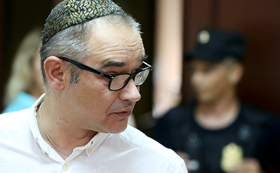 Блогер Антон Носик передначалом рассмотрения дела посуществу вПресненском суде, 3 августа 2016 года