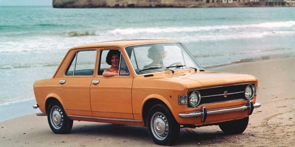 В то время, как с конвейера Волжского завода сходили первые «Жигули», европейским автомобилем года стал Fiat 128. Благодаря поперечному расположению мотора и переднему приводу, новая модель получилась компактной и просторной внутри. В НАМИ с середины 1960-х работали над переднеприводным автомобилем и даже создали прототип на базе «Копейки». Первый автомобиль с передним приводом – модель 2108 – ВАЗ выпустит только в 1984 году.