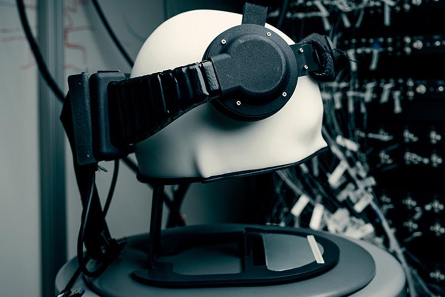 Ранний прототип устройства для чтения мыслей