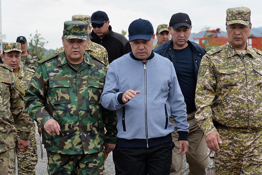Встреча Садыра Жапарова с жителями села Максат Лейлекского района