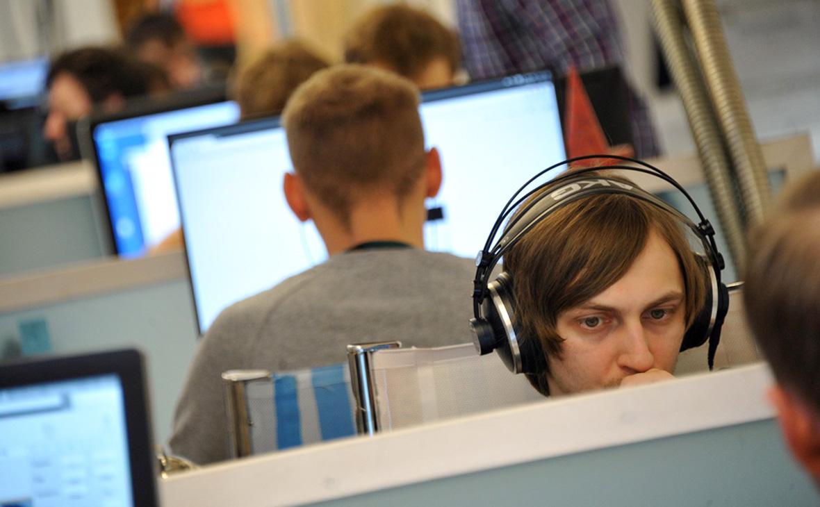 Число не готовых к серой зарплате россиян достигло максимума с 2009 года
