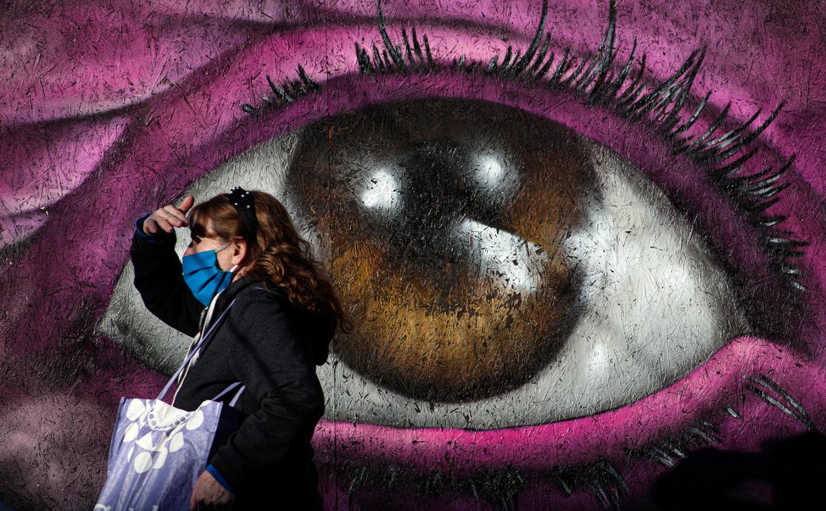 Врачи перечислили возможные последствия ношения масок
