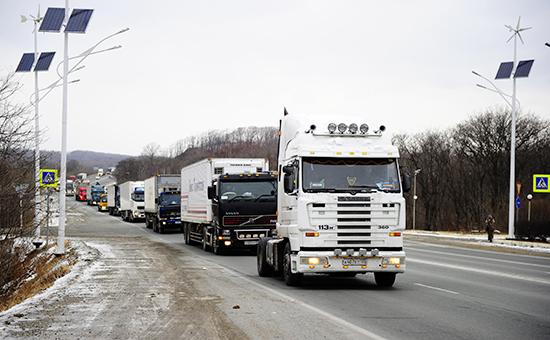 Водители-дальнобойщики вовремя всероссийской акции протеста «улитка», 4 декабря 2015 год