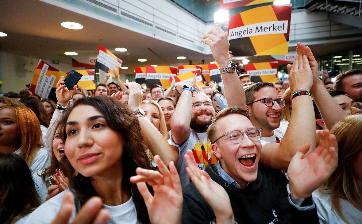 Сторонники Ангелы Меркель в штаб-квартире ХДС
