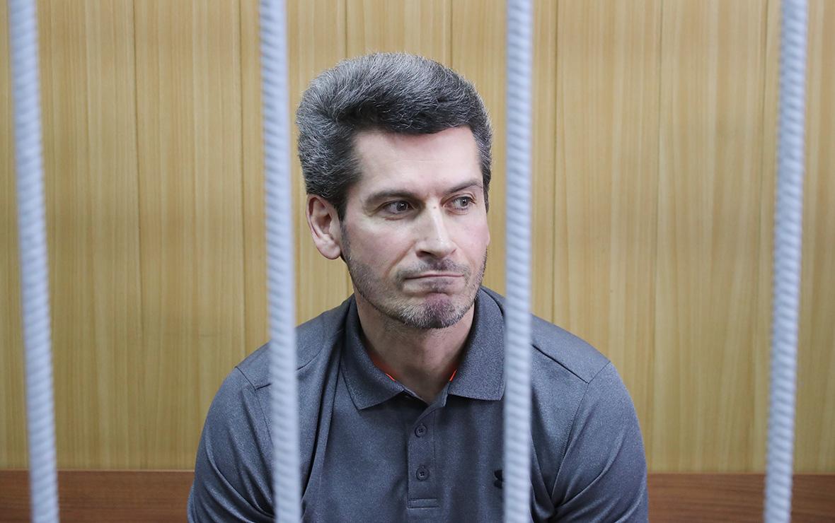 Гуф вышел на свободу из-под ареста в Красноярске