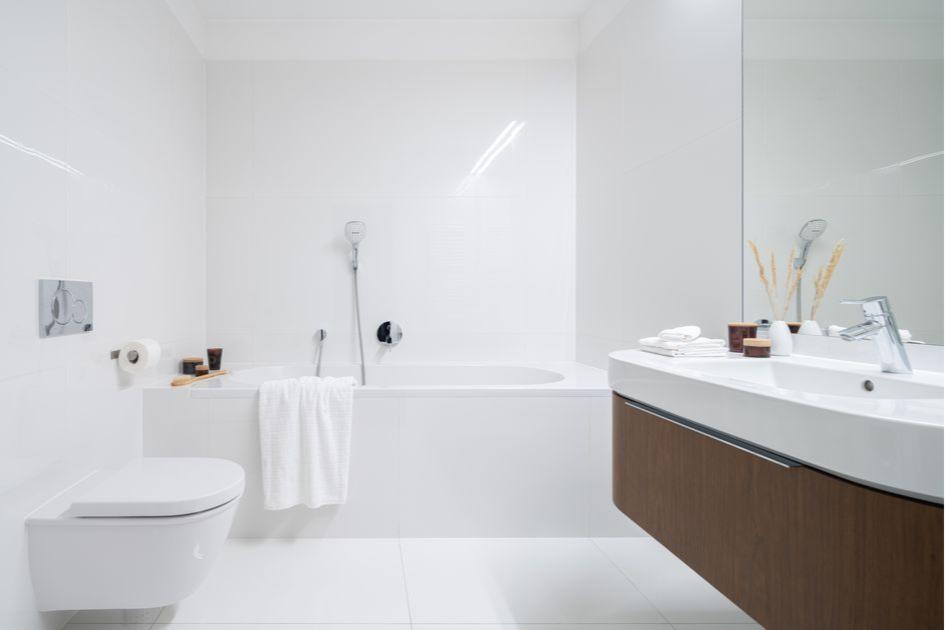 Зеркало в ванной расширит пространство
