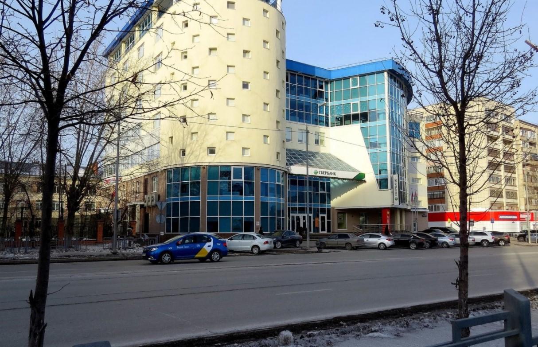 Здание расположено на ул. Профсоюзной