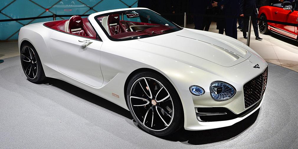 Bentley EXP 12 Speed 6e  Родстер EXP 12 Speed 6e – это дальнейшее развитие идеи концепта купе EXP 10, представленного в Женеве два года назад. Но если та машина была гибридной, то теперь компания предлагает электрическую силовую установку. Пока известно лишь, что машина получила два мотора – по одному на каждую ось. Запас хода родстера составляет около 500 километров.