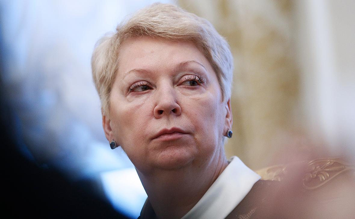 Васильева раскритиковала поправки о численном ограничении при усыновлении