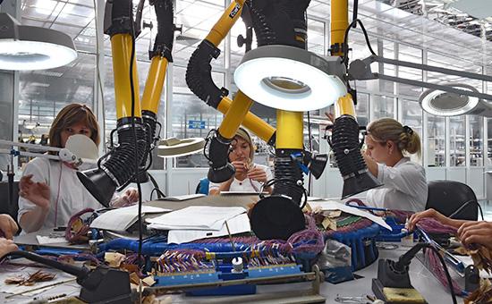 Завод попроизводству военной техники «Щегловский вал» госкорпорации «Ростех». Монтажные работы попроизводству локационных антенн
