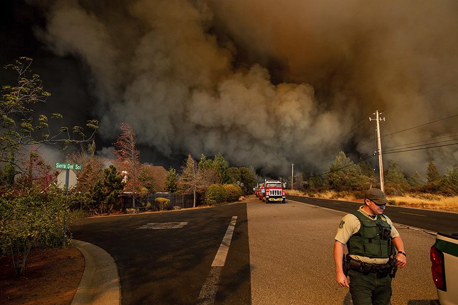 Пожары начались утром 8 ноября