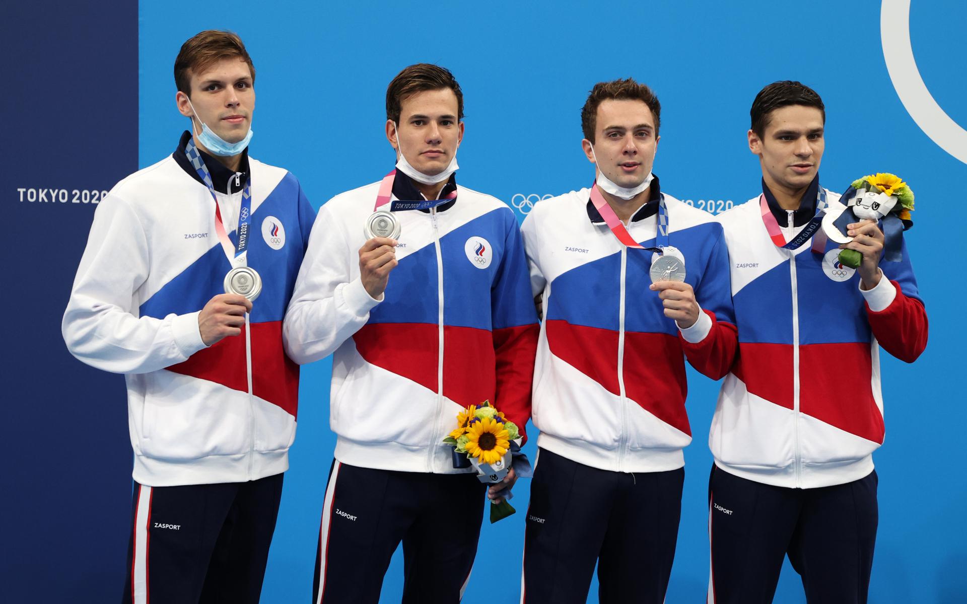 Иван Гирев, Мартин Малютин, Михаил Довгалюк, Евгений Рылов - серебряные призеры Олимпиады в эстафете 4х200 м вольным стилем