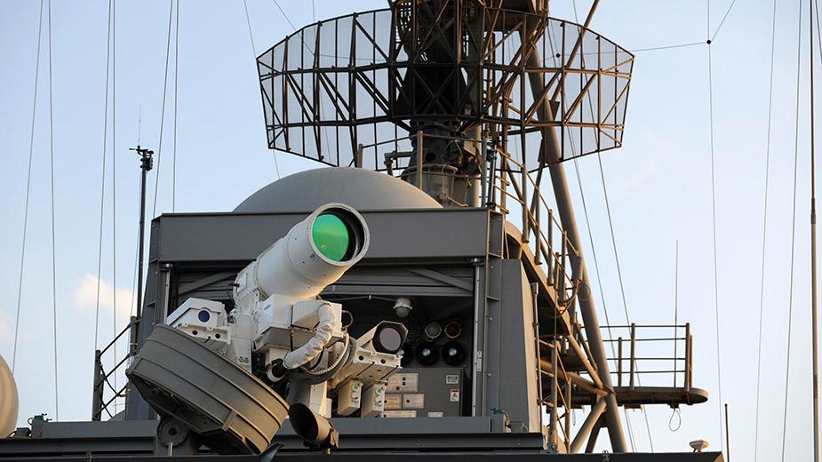 Камень, ножницы, лазер: высокотехнологичное оружие стран мира