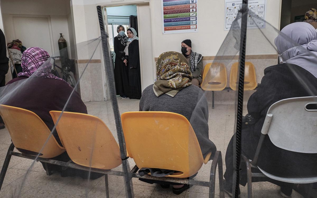 Палестина зарегистрировала российскую вакцину Спутник Лайт