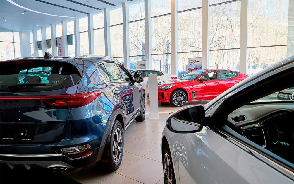 В автосалонах ажиотаж: с 1 сентября в России резко подорожали автомобили ::  Autonews
