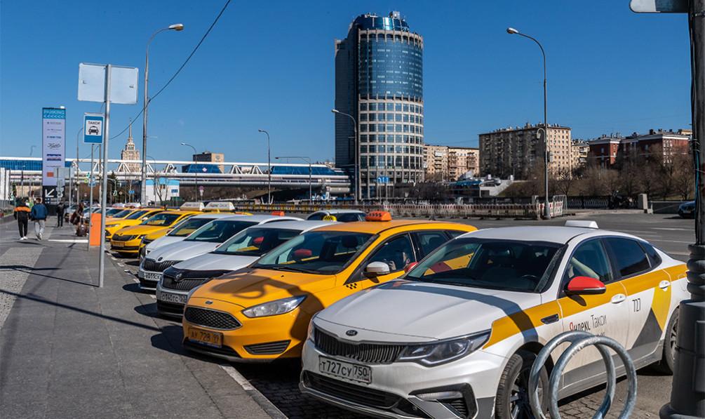 Курьер в автосалон москва купил машину а она в залоге у банка что делать 2020